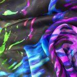silkechifoon med grønn, turkis og rosa